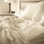 Op verschillende manieren je bed opmaken? Met genoeg lakens in huis kan dat!